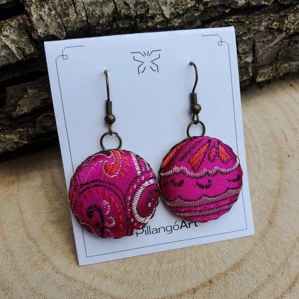 pink-selyem-textil-gomb-fulbevalo-rez